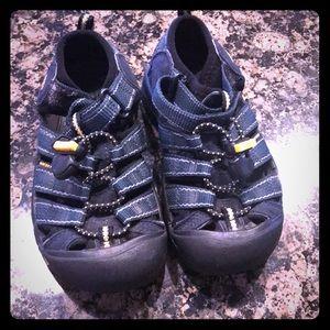 Boys Sz11 Keen Dark Teal Sandals Shoes